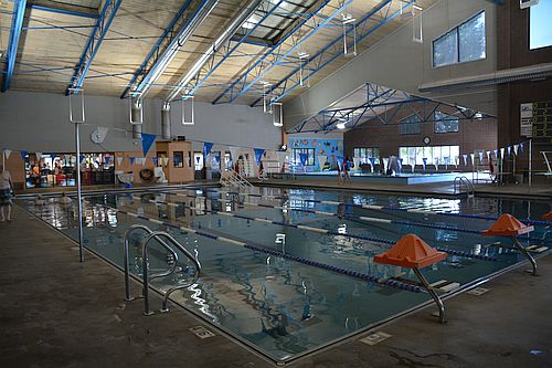 Bill heddle s recreation center delta county living for Swimmingpool billig